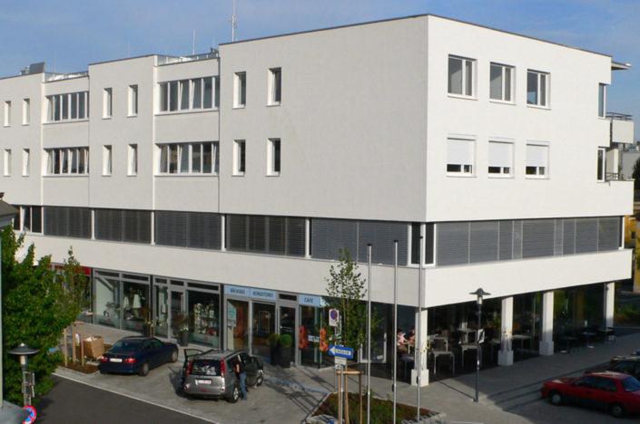 Graumann-Zentrum am Graumannplatz in Traun: wichtiges und markantes Eck der Trauner Innenstadt.