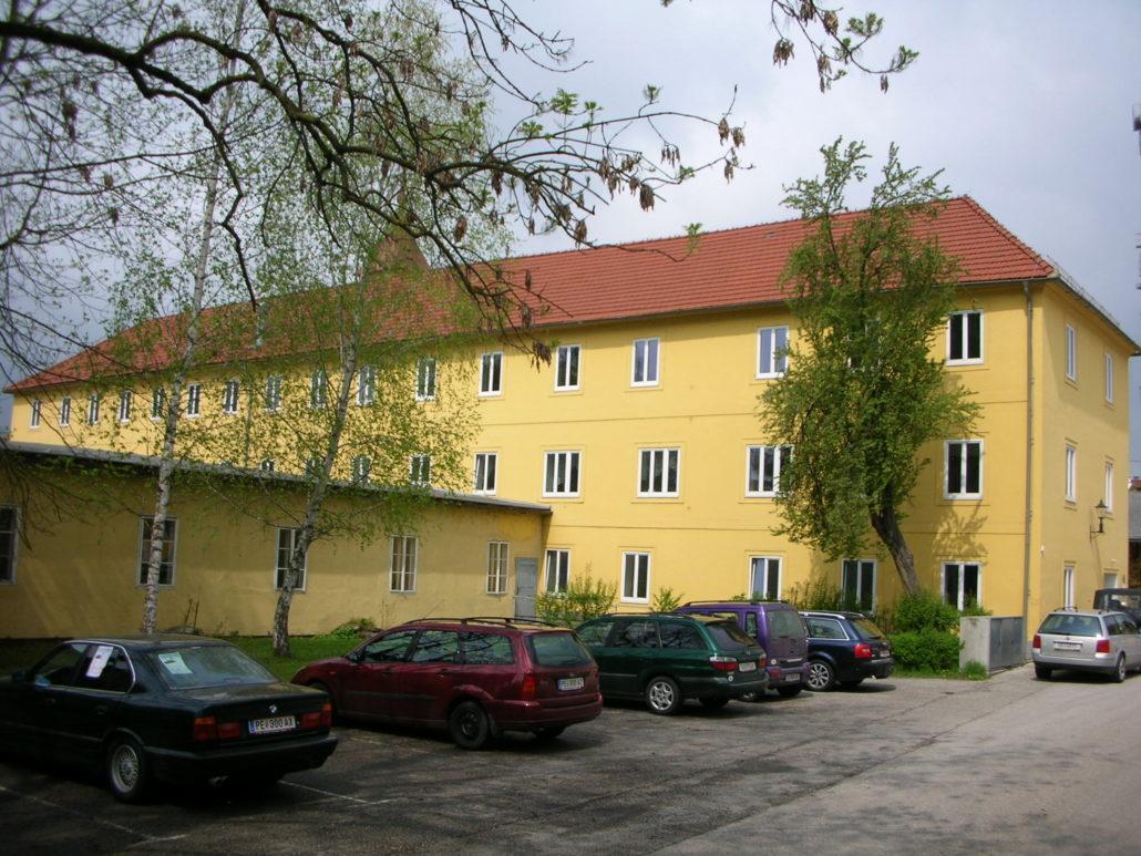 Herrenhaus West